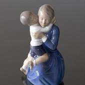 Mutter mit Kind, Royal Copenhagen Figur Nr. 3457